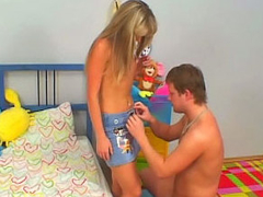 Amazing blonde teenie suckes and gets fucked by old fellow
