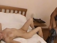 Teen live-in paramour kisses lips of her boyfriend and sucks his dick.